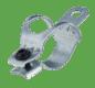 Fertig-fallendes Teil - Stanzbiegeprozess und Montage der Schraube in einem Werkzeug